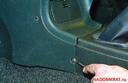 Левый экран консоли ВАЗ 2114