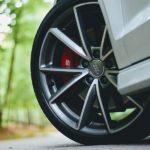 Какие диски на авто лучше: стальные или литые?